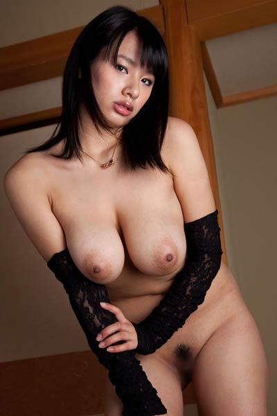 Model Hana Haruna in Street Service