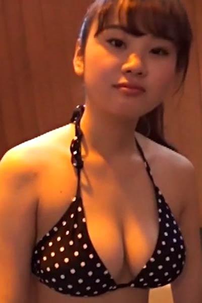 Model Anna Sahara in Shiawasenohigi Scene 4