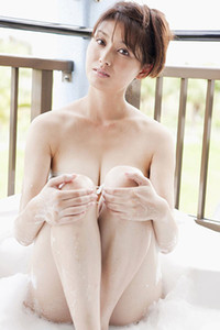 Model Manami Hashimoto in Suds And Sand