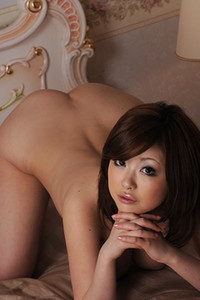 Model Rio Hamasaki in Velvet Present